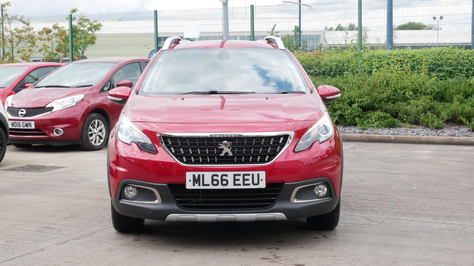 Used PEUGEOT 2008 1 6 BlueHDi 100 Allure 5dr | Red | ML66EEU
