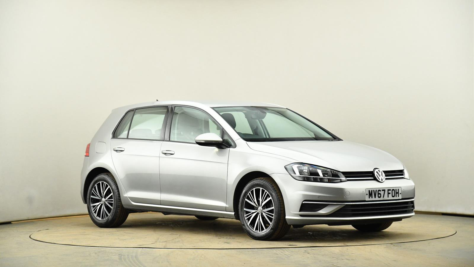 Used Volkswagen Golf 1 4 Tsi Se Nav 5dr Dsg Silver Mv67foh