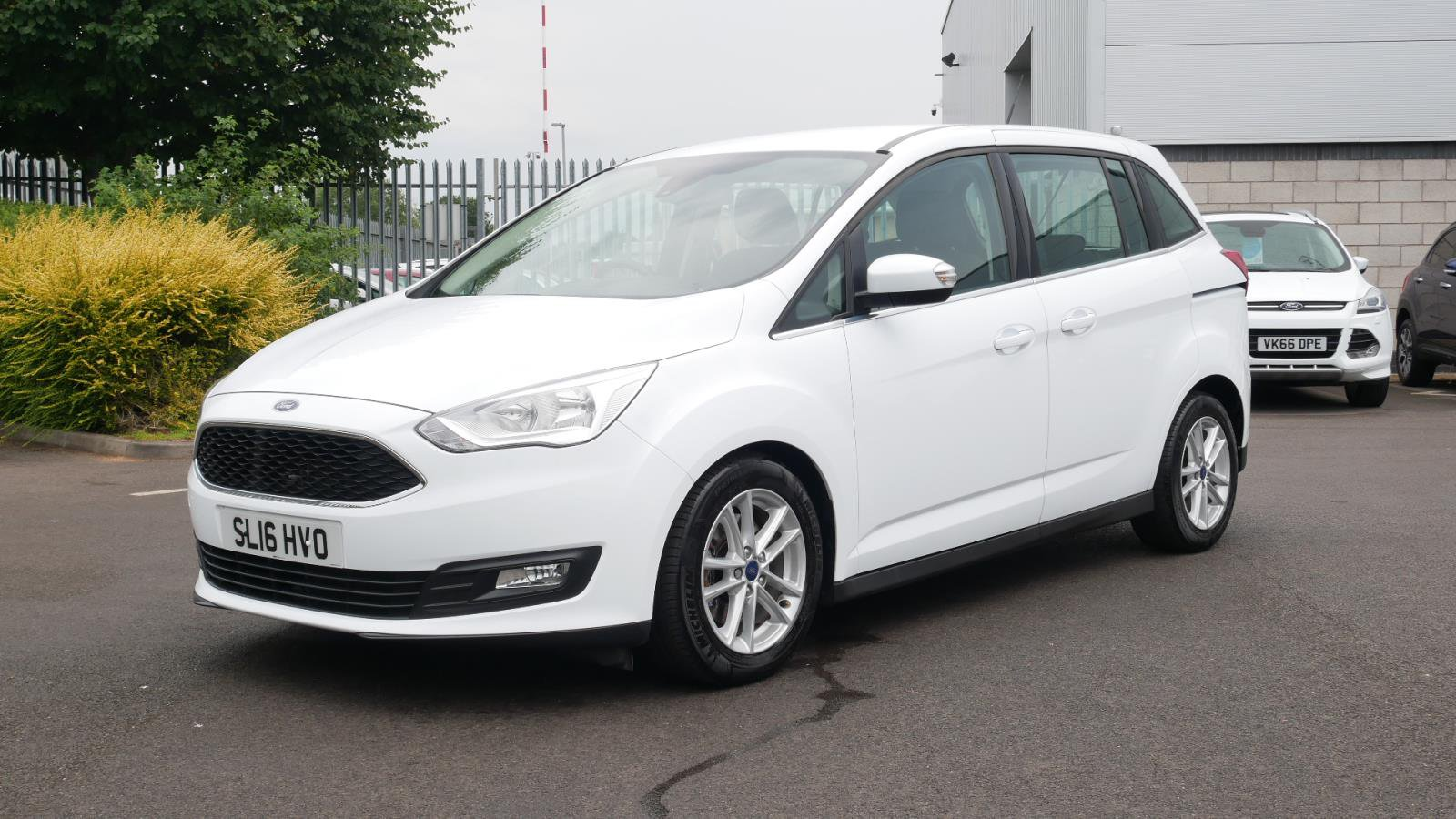 Ford Grand C Max >> Used Ford Grand C Max 1 5 Tdci Zetec 5dr Powershift White