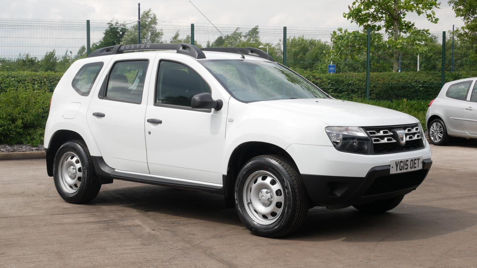 YG15OET-used-DACIA-DUSTER-ESTATE-1.6-Acc